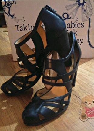 Стильные кожаные туфли оригинал