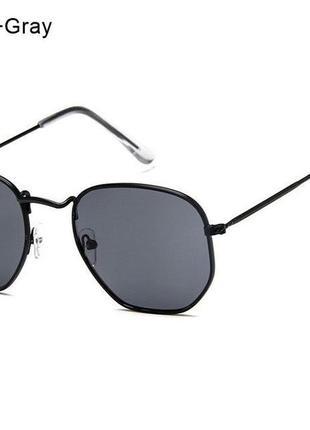 Солнцезащитные очки унисекс 2020