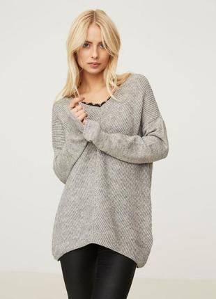 Серый свитер с кружевной вставкой vero moda