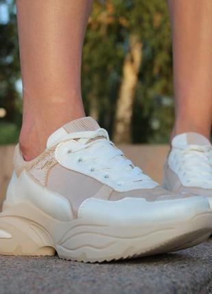 Женские кожаные кроссовки10 фото