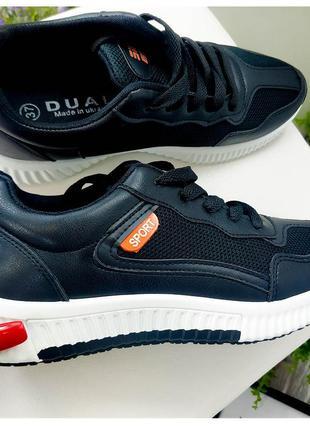 Черные кроссовки sport