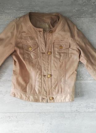 Бежевая кожаная куртка stradivarius m