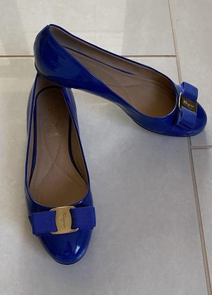 Изумительные туфельки премиум бренд salvatore ferragamo размер 36,5