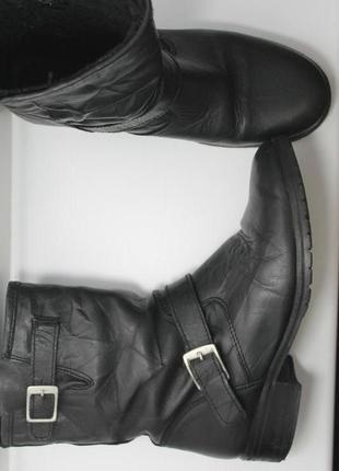 Трендовые кожаные демисезонные сапоги,полусапожки на низком каблуке с эффектом мятой кожи