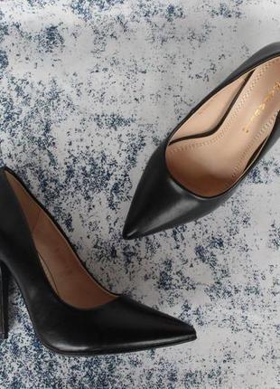 Черные туфли, лодочки 36, 37, 38 размера на устойчивом каблуке
