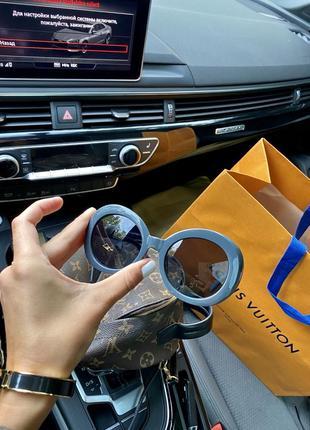 Шикарные полупрозрачные очки
