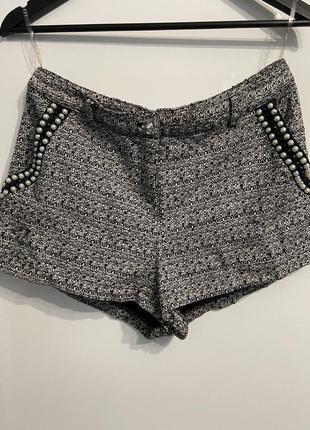 Шикарные актуальные тёплые твидовые шорты с бусинами
