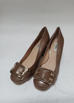 Guess туфлі коричневі.брендове взуття stock