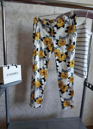 Распродажа!укороченные брюки в цветочный принт!
