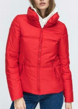 Стильная демисезонная куртка, последняя, размер 42-44.