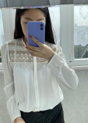 Блузка белая на пуговичках сетка