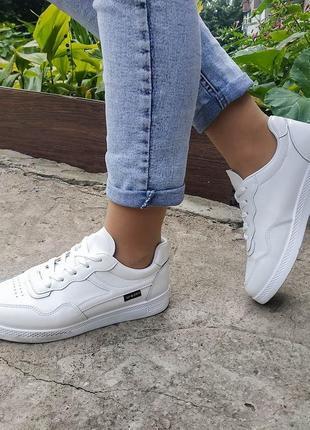 Белые кроссовки, белый кед под все