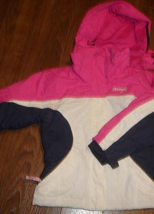 Фирменная деми термо куртка на 4-5 лет новая