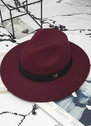 Бордового  цвета шляпка в стиле maison michel