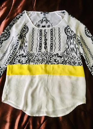 Блузка дизайнерська