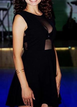Ідеальне чорне плаття