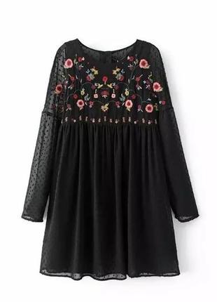 Платье с цветочной вышивкой в стиле бохо