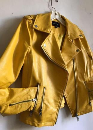 Желтая куртка stradivarius