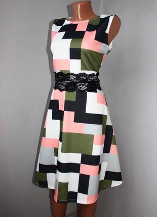 Платье расклешенное в юбке в оригинальный геометрический принт с ажуром, uk, 16