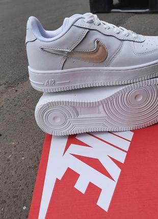 Шикарные женские кроссовки nike air force 1 белые