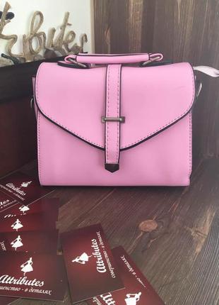 Нежно-розовый клатч