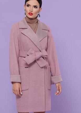 Классическое розовое пальто