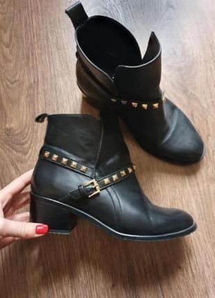 Стильные демисезонные черные кожаные ботинки ботильоны размер 38