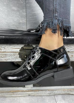 Лаковые туфли из натуральной кожи на шнуровке с 36-40