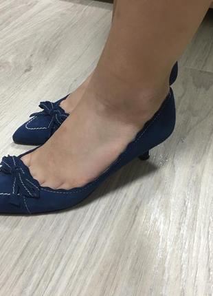 Оригинальные замшевшем туфельки l.k.bennett