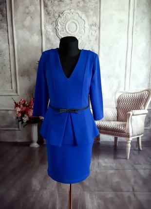 Стильное платье с баской синее