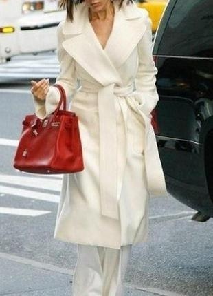 Кашемировое пальто молочного цвета