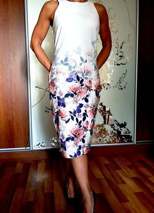 Нежное белоснежное платье миди с цветочным принтом