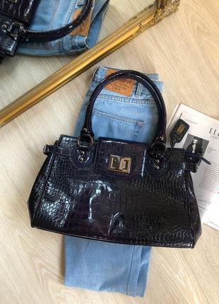 Качественная вместительная  брендовая сумка