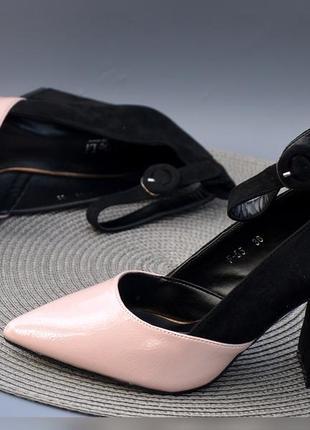 Новиночка невероятно эффектные туфли с ремешком