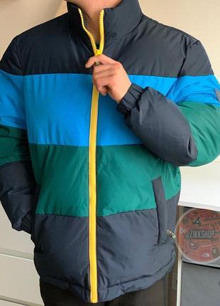 Новая тёплая куртка tommy hilfiger оригинал.