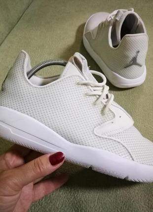 Jordan белые женские кроссовки