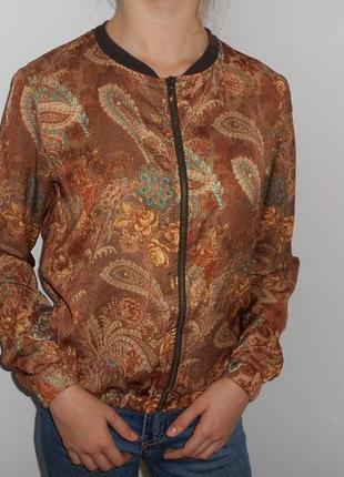 Кофта блуза бомбер bershka. размер s. состояние отличное!