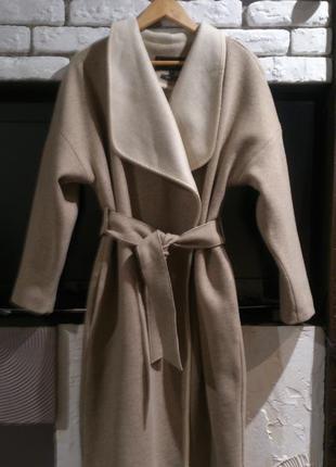 Стильно oversize пальто от бренда reserved.