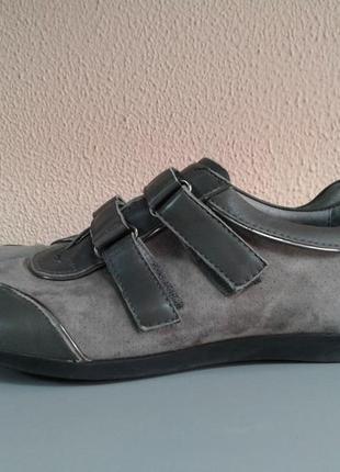 Замшевые кроссовки размер 36