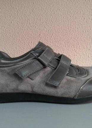 Замшевые кроссовки размер 362