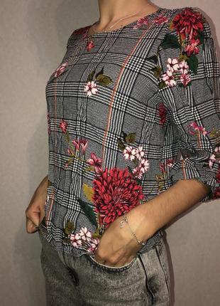Кофта в клеточку с принтом цветов , блуза