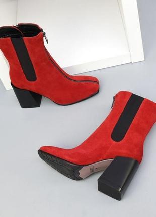 Красивые красные ботинки замша осень зима