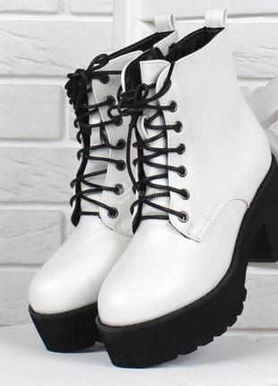 Ботинки женские на широком каблуке erica белые на шнуровке