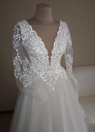 Свадебное платье с светоотражающим гипюром!