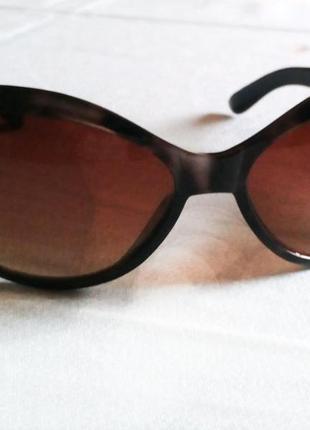 Солнцезащитные очки в леопардовой оправе сонцезахисні окуляри
