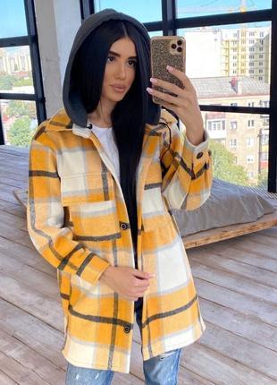 Пальто рубашка женское в клетку с капюшоном желтое