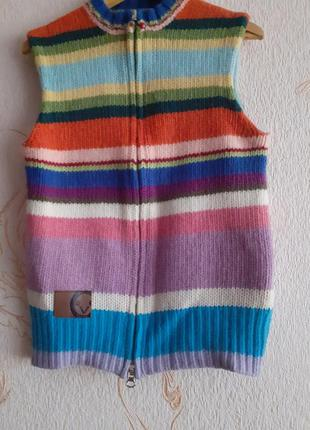 Шерстяная жилетка на девочку 95 %шерсти ламы