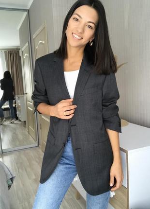 Очень стильный базовый брендовый пиджак/жакет от carven.
