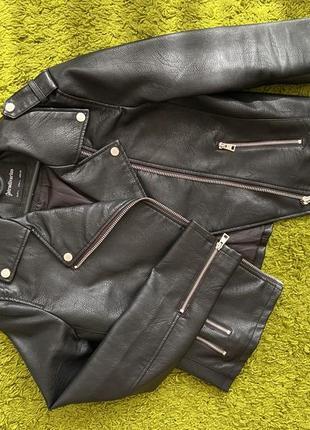 Куртка косуха stradivarius