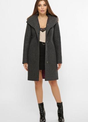 Стильное зимнее темно серое пальто с капюшоном